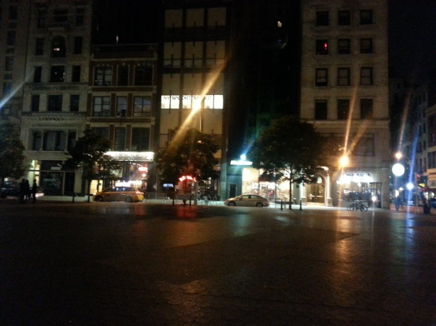 GN UN SQ Park Night