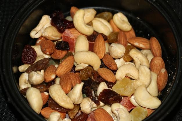 Nuts N Raisins N Fruit