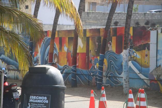 Manta Beach Murals